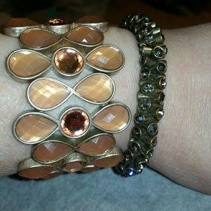 Jewelry - Bundle of 2 Pretty Gold & Spark Stretch Bracelets